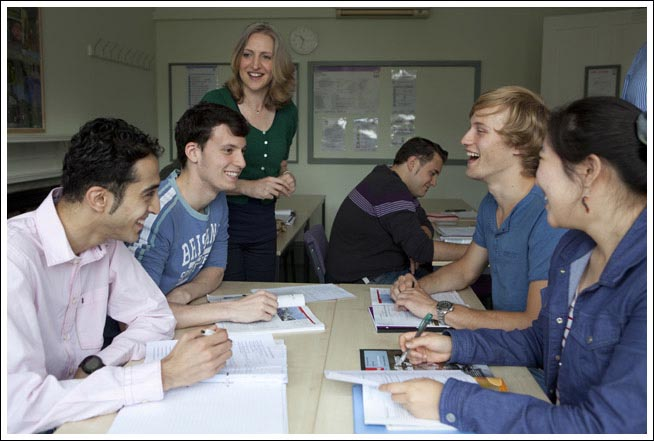 Life in Wimbledon school of English London, study english for law course in London