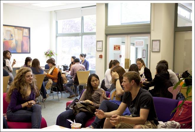 สมัครเรียนภาษาอังกฤษในลอนดอนประเทศอังกฤษกับโรงเรียนภาษาที่ดีที่สุดในลอนดอน Wimbledon School of English