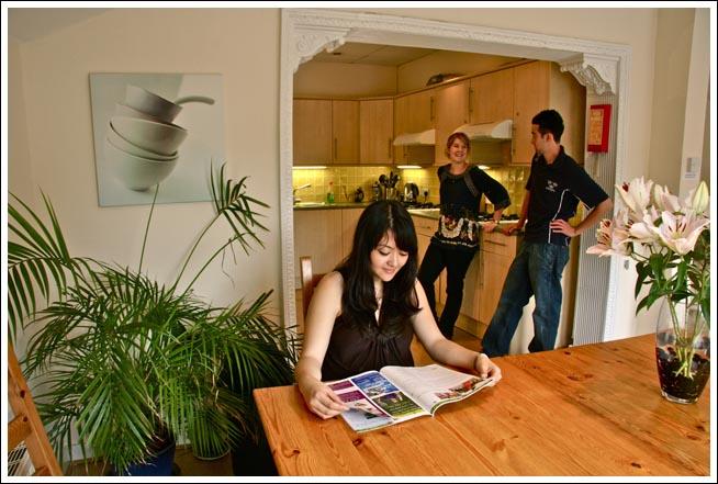 เลือกที่พัก House room เรียนภาษาอังกฤษ Wimbledon School of English ในลอนดอนประเทศอังกฤษกับโรงเรียนภาษาที่ดีที่สุดในลอนดอน