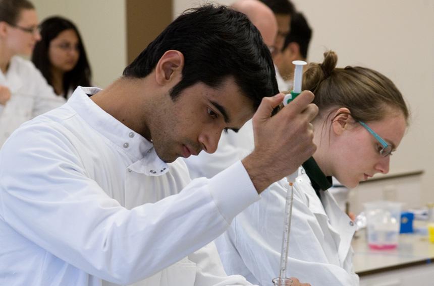 นักเรียนไทยจบปริญญาตรี สมัครเรียนต่อ Pre-masters เตรียมเรียนต่อปริญญาโทท็อปยูประเทศอังกฤษ Durham University Top UK university Rank - Pre-masters กับ เอเยนซี่ I Study UK