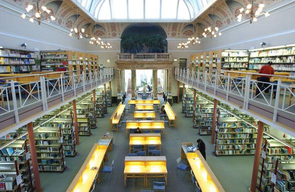 ห้องสมุดที่มหาวิทยาลัยกรีนิช เรียนต่อประเทศอังกฤษUniversity of Greenwich